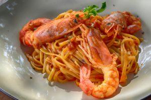romantic dinner seafood shrimp pasta