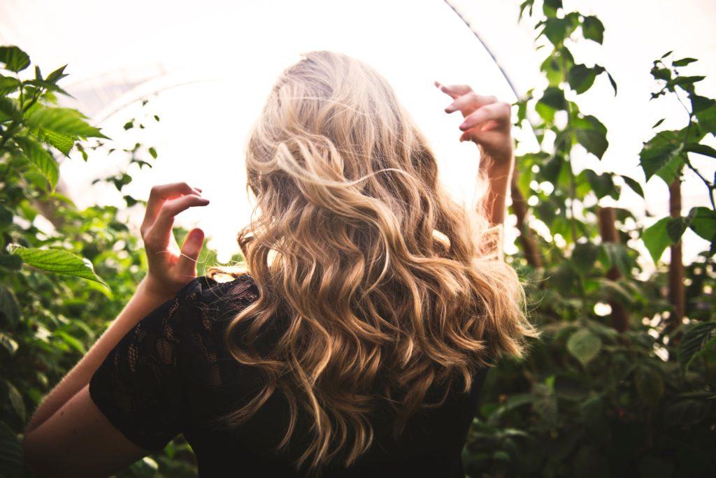 blonde hair curls