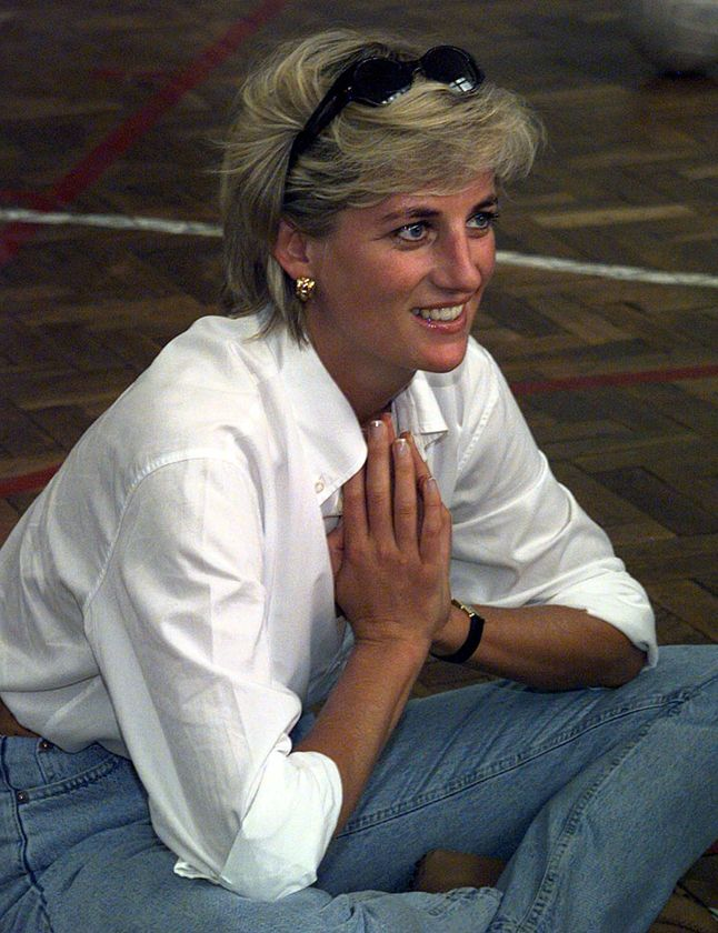 princess diana jeans and white shirt casual dress