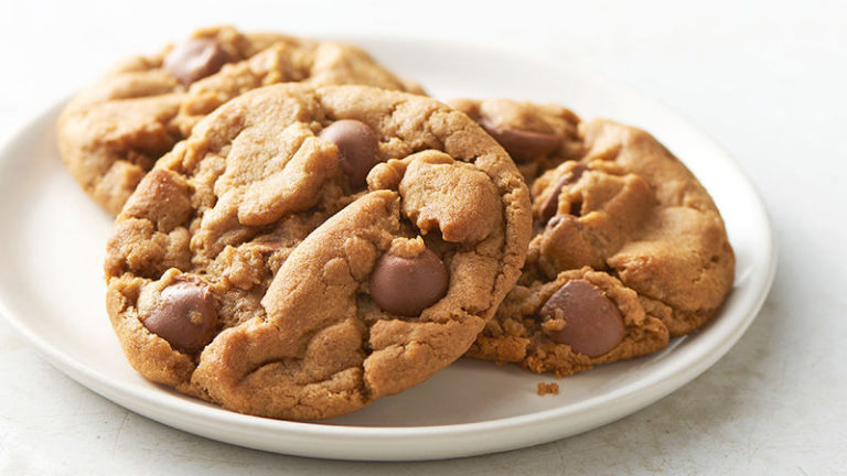 peanut butter and chocolate chip cookie recipe