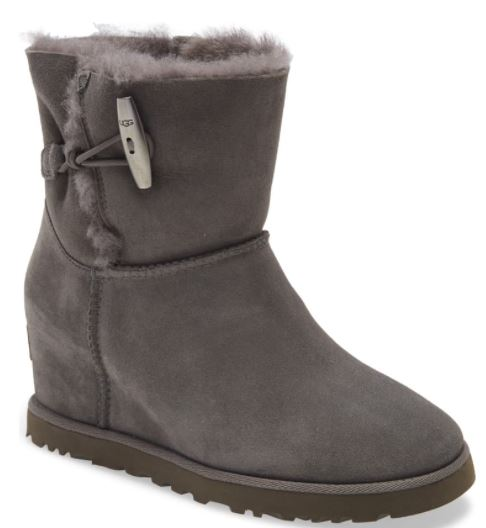 ugg classic toggle femme wedge boots
